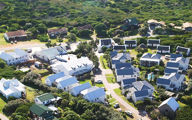 boende flygfoto av Cape St. Francis under longstay sydafrika | Sunbirdie