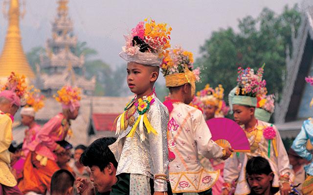 Utforsk forskjellige kulturer mens Long stay Thailand - Sunbirdie
