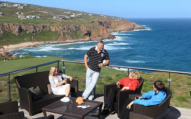 njut av golfbanan nära havet under long stay golf sydafrika | Sunbirdie