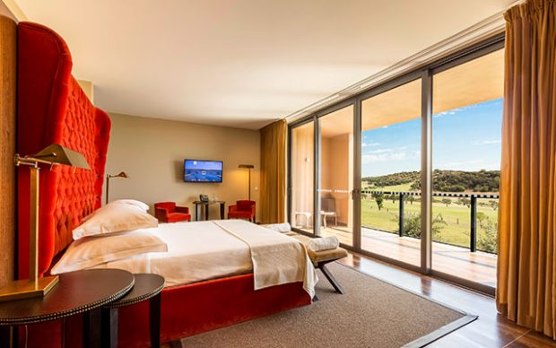 Short Stay på algarve morgado superior room i portugal - Sunbirdie
