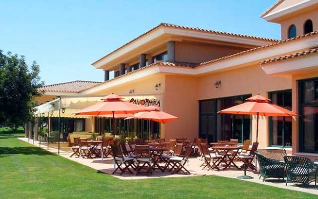 Short Stay på panoramica golf clubhouse i portugal - Sunbirdie