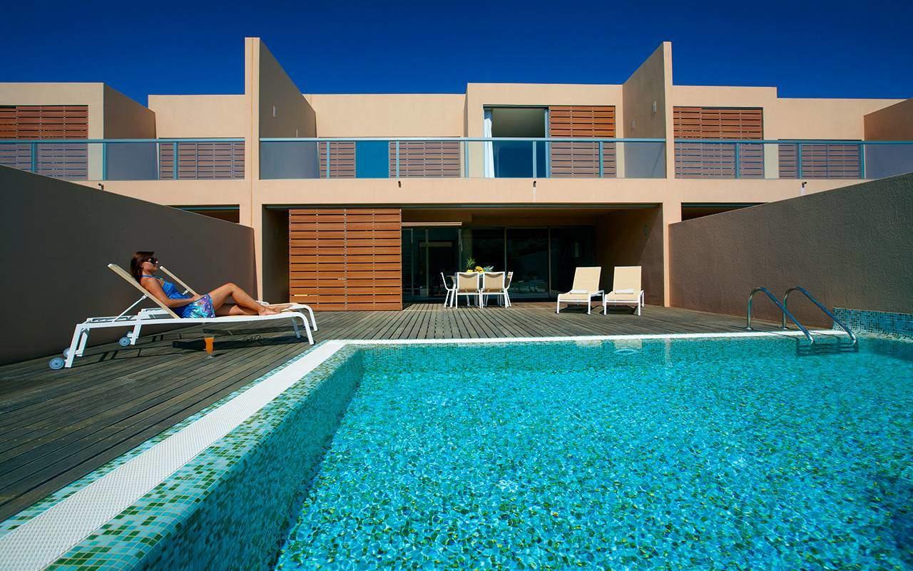 Pool i Salgados under Longstay Portugal Algarve | Sunbirdie