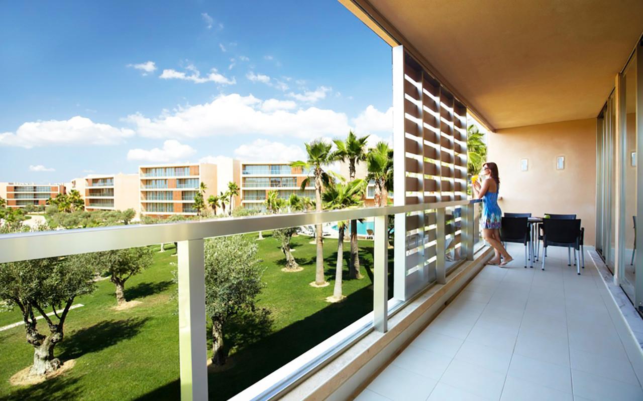 Utsikt från Salgados balkong under Longstay Portugal Algarve | Sunbirdie