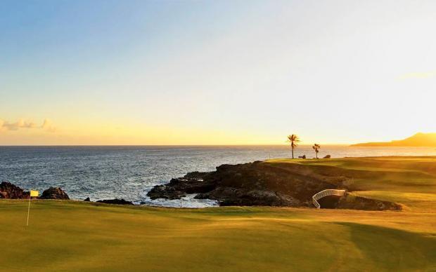 Nyt vakker solnedgang med golf under Golfreiser Spania med Sunbirdie