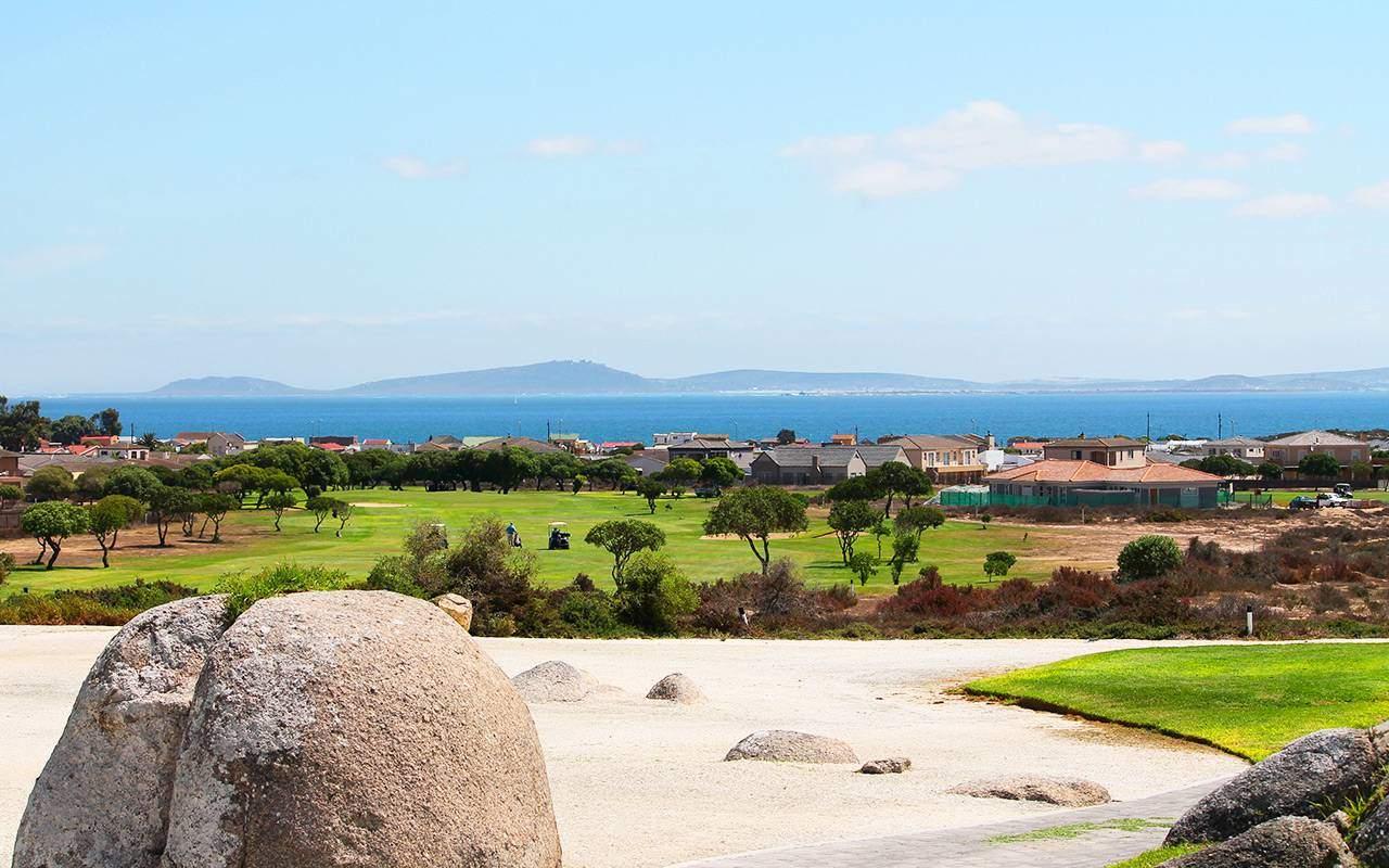 Golfbana utsikt över berget under long stay golf sydafrika | Sunbirdie