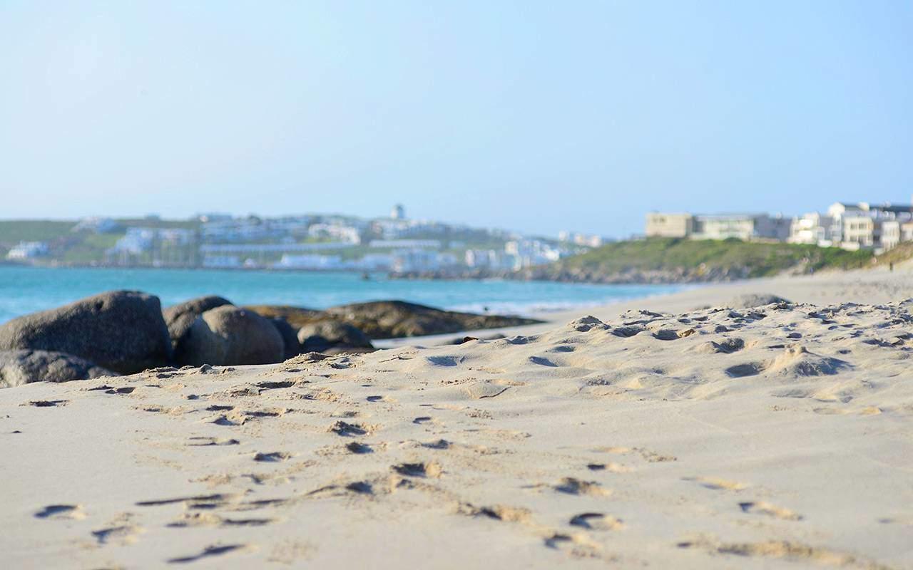 Langebaan strand under longstay sydafrika | Sunbirdie