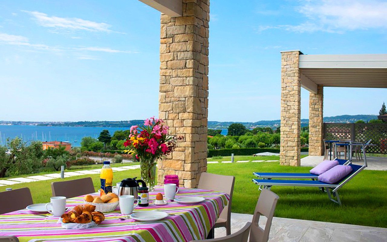 Golf Italia med vakker utsikt og mat på Moniga del Garda - Sunbirdie
